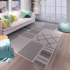 класть ли ковёр на тёплый пол