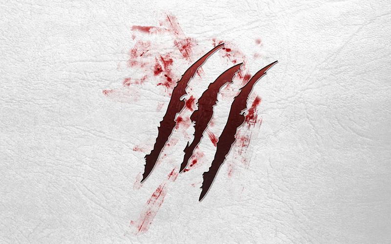кровь на обоях