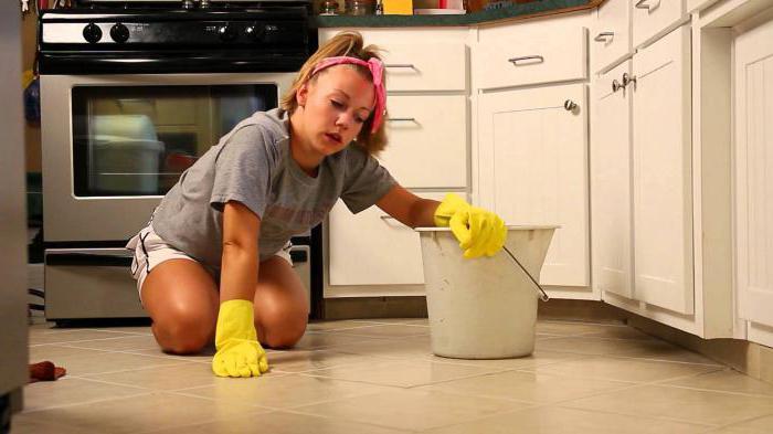 мыть пол наночь