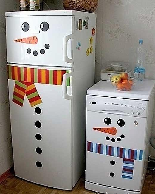 Как украсить старый холодильник