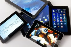 Разные модели планшетов.