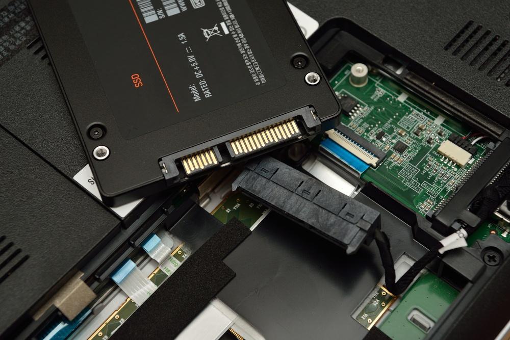 Установка SSD вместо старого диска.