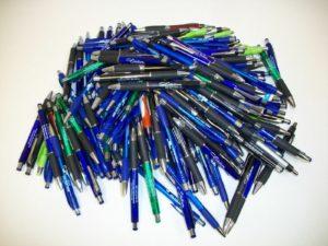 старые шариковые ручки