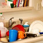 Чем качественно помыть посуду в холодной воде?