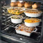 Какая посуда не подведёт в духовке