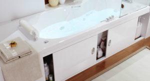 белый экран под ванной