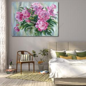 Почему в спальне нужна картина с пионами