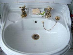 Почему англичане не пользуются смесителями для воды