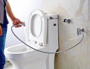 Что представляет собой гигиенический душ для унитаза.