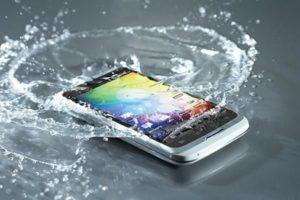 Почему нельзя брать телефон в ванную