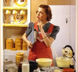 Надевать ли передник на кухне: за и против