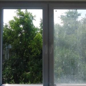 Почему пластиковые окна пачкаются быстрее, чем деревянные
