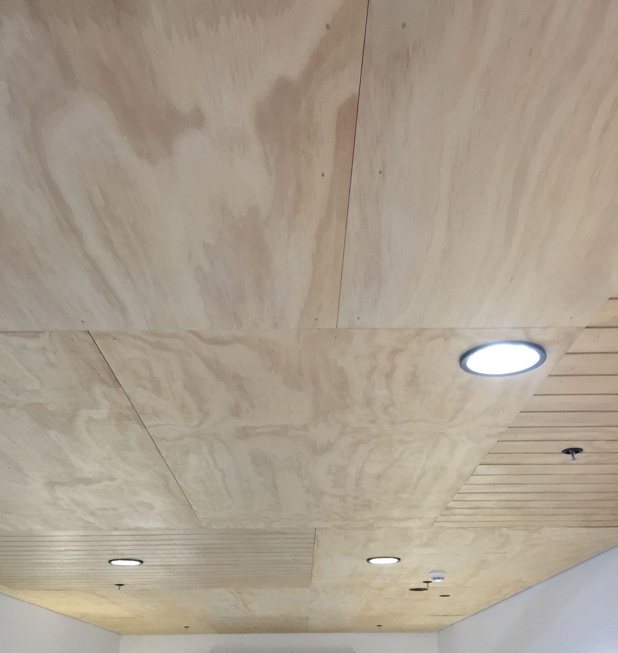 потолок из листов ДСП на балконе или лоджии