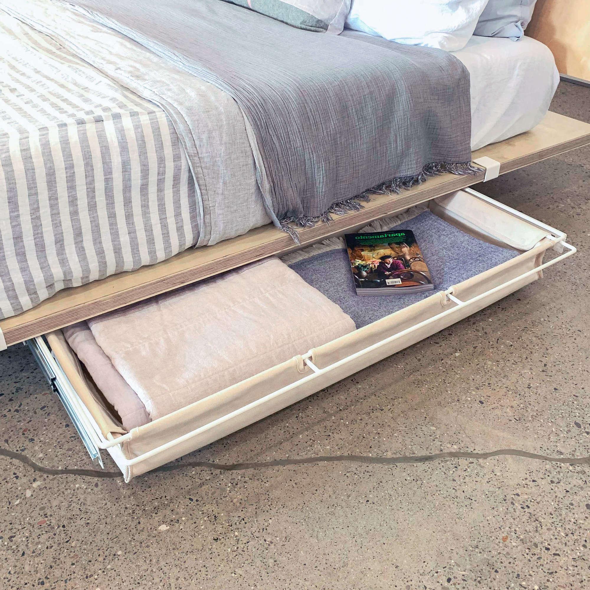 Ящик под кроватью