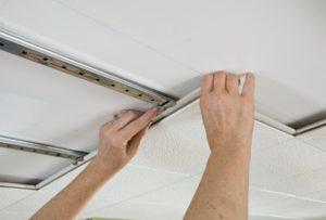 демонтаж навесного потолка ГКЛ