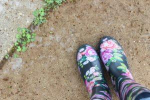 Как хранить сапоги и зонты