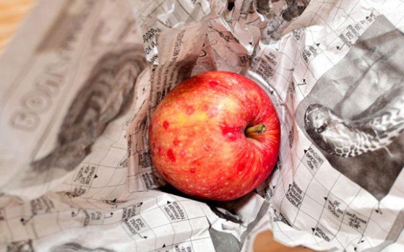 Старые газеты для быстрого созревания овощей и фруктов