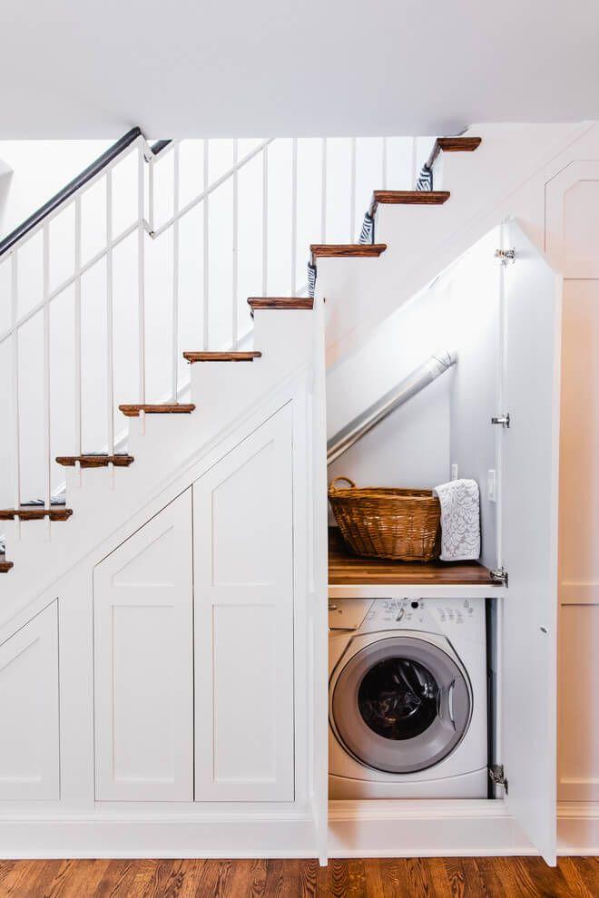 Хранение гладильной доски в нише под лестницей