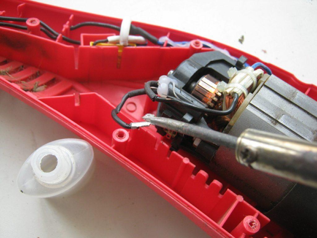 Проверка двигателя триммера.