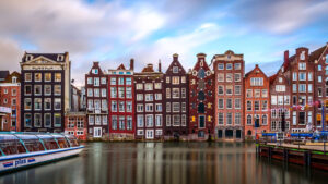 Netherlands_Amsterdam_Houses_Marinas_Canal_542522_2560x1440