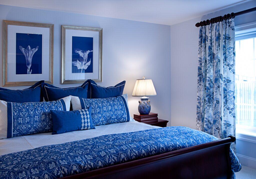 Синяя спальня.